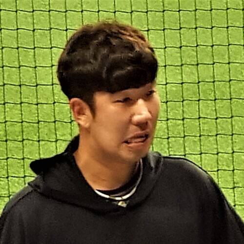 Shin Jae-young