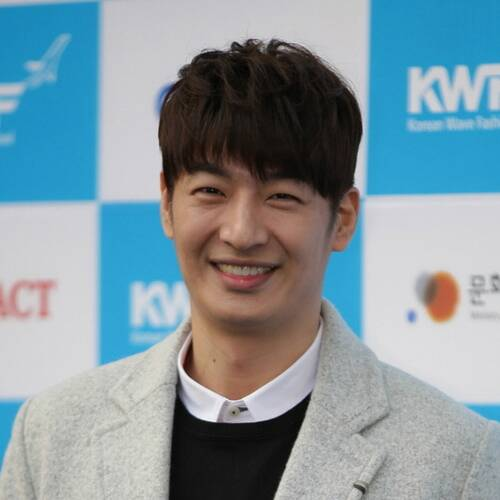 Son Ho-young