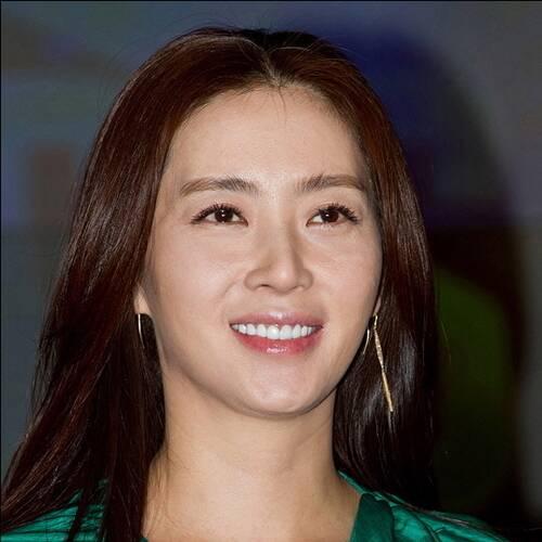 Song Yun-a